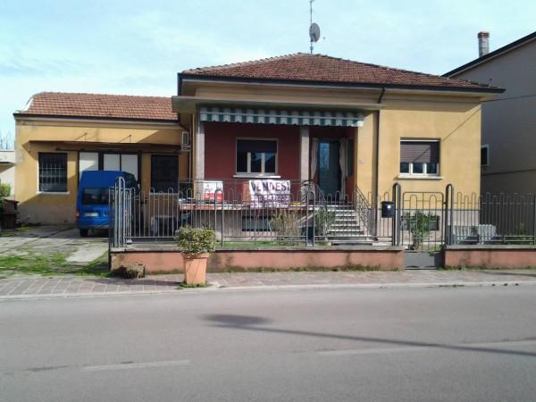 Villa in vendita a Curtatone, 9999 locali, prezzo € 200.000 | Cambio Casa.it