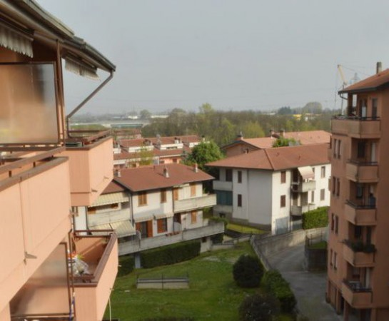 Appartamento in vendita a Caponago, 3 locali, prezzo € 125.000 | Cambio Casa.it