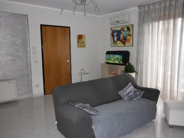 Appartamento in affitto a Montoro, 4 locali, prezzo € 385 | Cambio Casa.it
