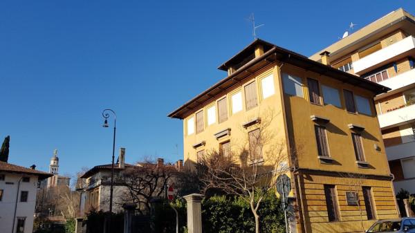 Villa in vendita a Udine, 9999 locali, Trattative riservate | CambioCasa.it