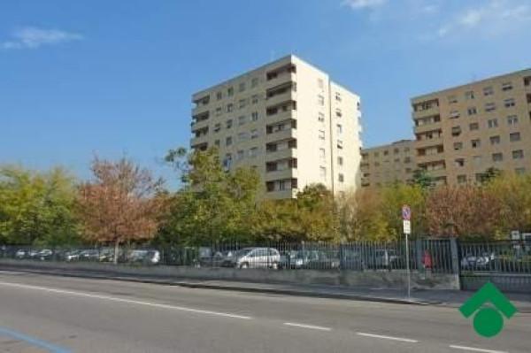 Bilocale Milano Via Giulio Natta 1