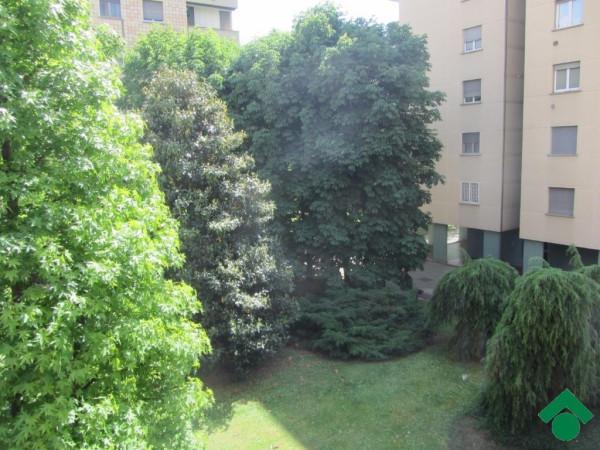 Bilocale Milano Via Giulio Natta 3