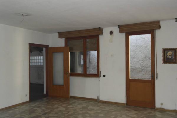 Appartamento in vendita a Gemonio, 3 locali, prezzo € 30.000 | Cambio Casa.it
