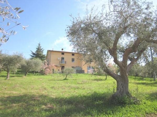 Villa in vendita a Teramo, 6 locali, prezzo € 163.000 | Cambio Casa.it