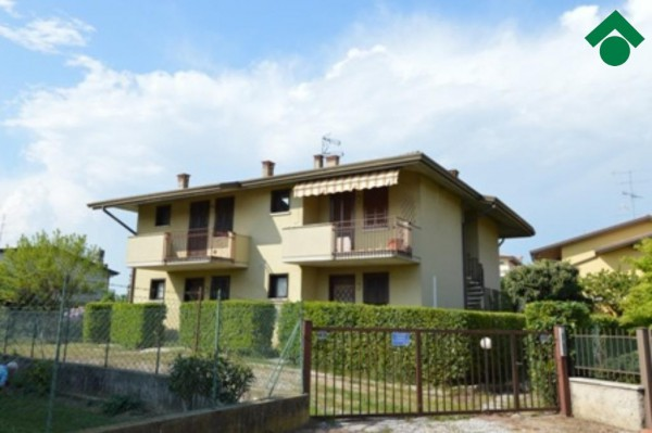 Bilocale Sirmione Via Mantegna, 45 2