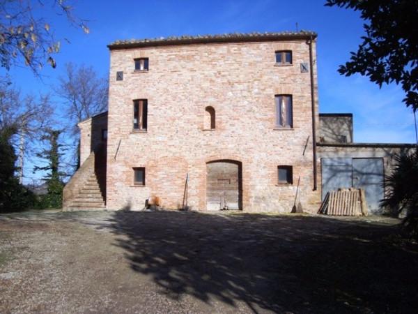 Rustico / Casale in vendita a Montedinove, 5 locali, prezzo € 350.000 | Cambio Casa.it