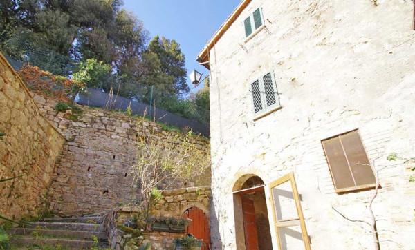 Casa indipendente in Vendita a Cetona: 4 locali, 70 mq