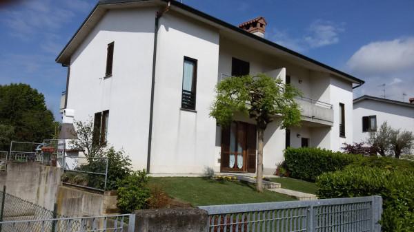 Villa in vendita a Arcene, 5 locali, prezzo € 300.000 | Cambio Casa.it