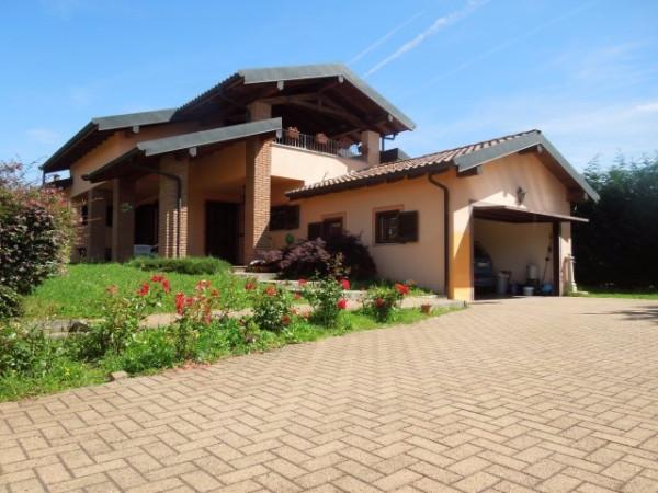 Villa in vendita a Agrate Conturbia, 6 locali, prezzo € 280.000 | Cambio Casa.it
