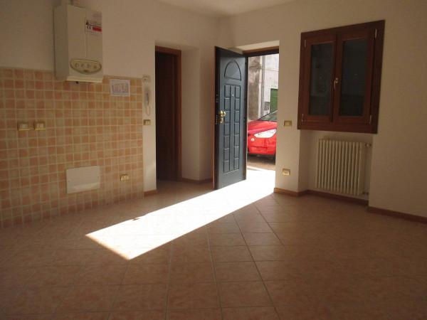 Appartamento in vendita a Castelnuovo del Garda, 3 locali, prezzo € 135.000   Cambio Casa.it