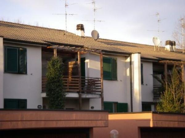 Villa in vendita a Liscate, 4 locali, prezzo € 295.000 | Cambio Casa.it