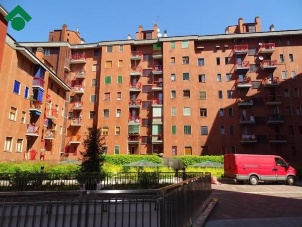 Bilocale Milano Via Dolomiti, 11 1
