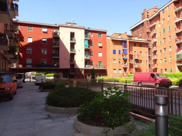 Bilocale Milano Via Dolomiti, 11 11
