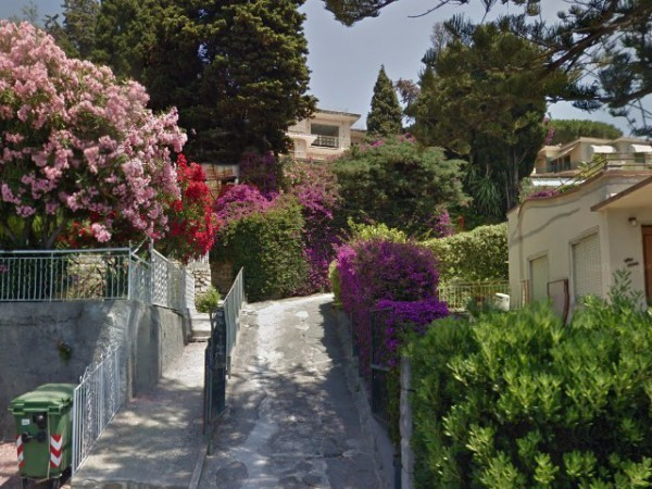 Soluzione Indipendente in vendita a Bordighera, 6 locali, prezzo € 630.000 | Cambio Casa.it