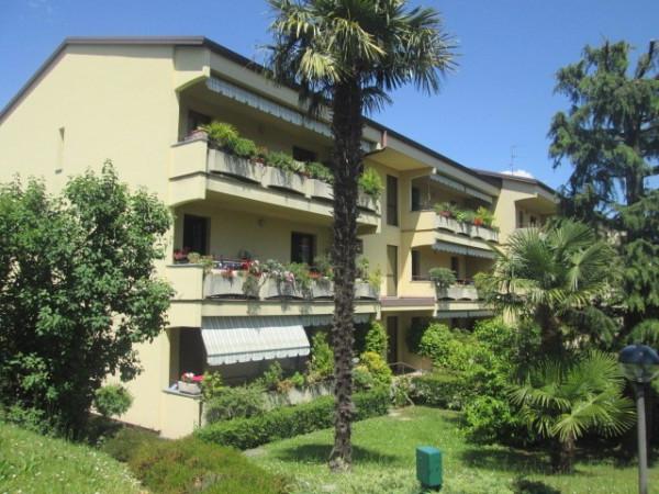 Appartamento in vendita a Albiolo, 3 locali, prezzo € 115.000 | Cambio Casa.it