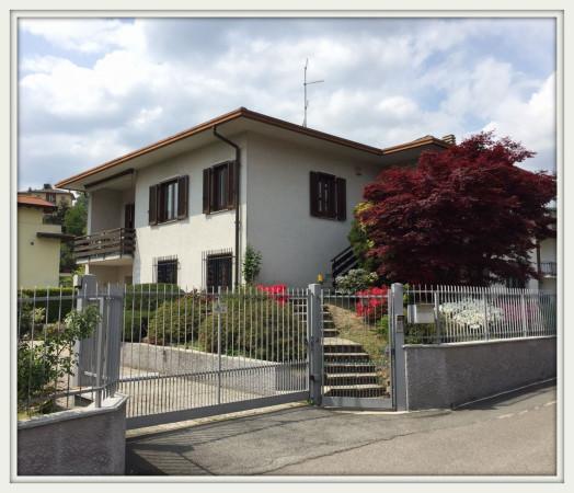 Villa in vendita a Faloppio, 6 locali, prezzo € 480.000 | Cambio Casa.it