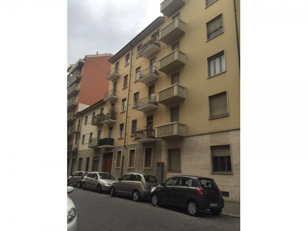 Bilocale Torino Via Rivalta 2