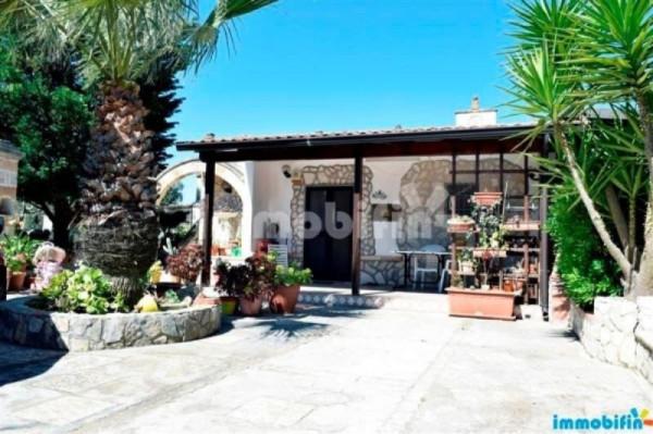 Villa in vendita a Oria, 5 locali, prezzo € 73.000 | Cambio Casa.it