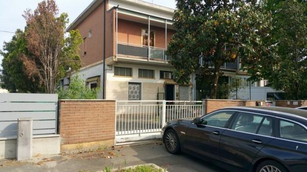 Soluzione Indipendente in vendita a Modena, 6 locali, prezzo € 380.000 | Cambio Casa.it