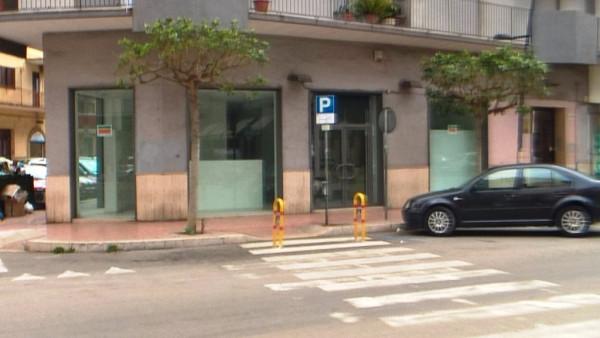Negozio / Locale in affitto a Taranto, 1 locali, prezzo € 2.600 | Cambio Casa.it