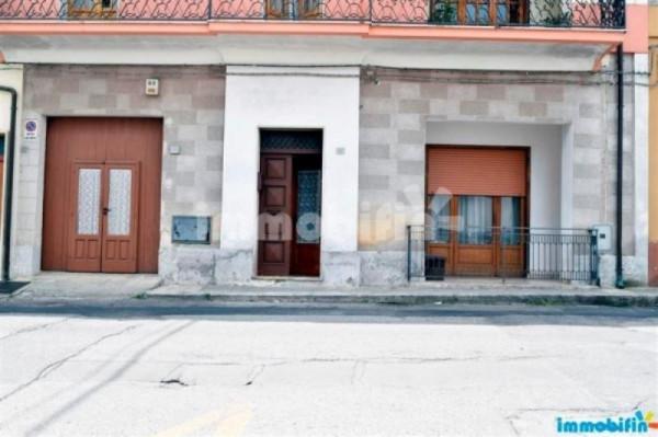 Appartamento in vendita a Oria, 6 locali, prezzo € 190.000 | Cambio Casa.it