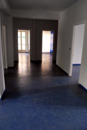 Ufficio / Studio in affitto a Alba, 6 locali, prezzo € 1.600 | Cambio Casa.it