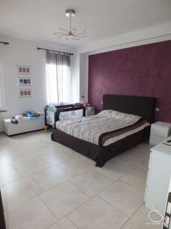 Appartamento in vendita a Roverbella, 3 locali, prezzo € 130.000 | Cambio Casa.it