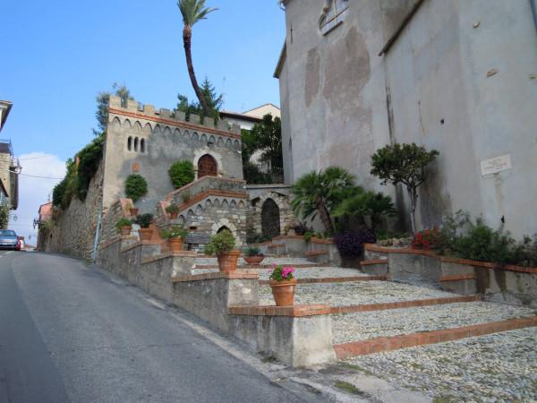 Appartamento in vendita a Diano Castello, 2 locali, prezzo € 150.000 | CambioCasa.it