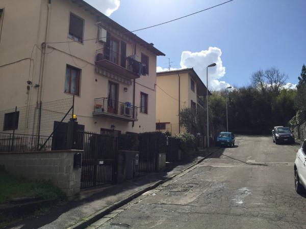 Bilocale Lastra a Signa Via Enrico Caruso 12