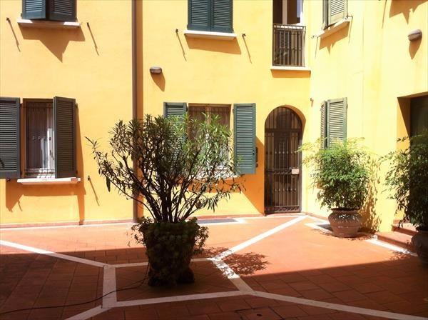 Bilocale Bologna Via Avesella 1