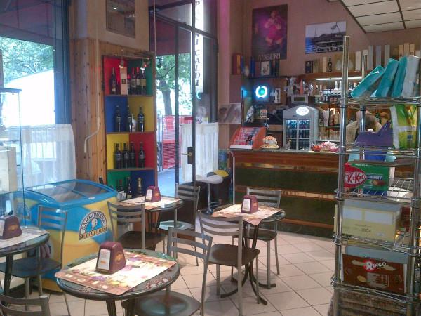 Negozio-locale in Vendita a Bologna Semicentro Nord: 2 locali, 100 mq