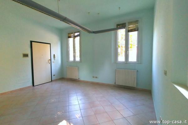 Negozio / Locale in affitto a Molinella, 2 locali, prezzo € 450   Cambio Casa.it