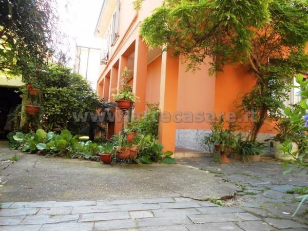 Villa in vendita a Canegrate, 6 locali, prezzo € 340.000 | Cambio Casa.it