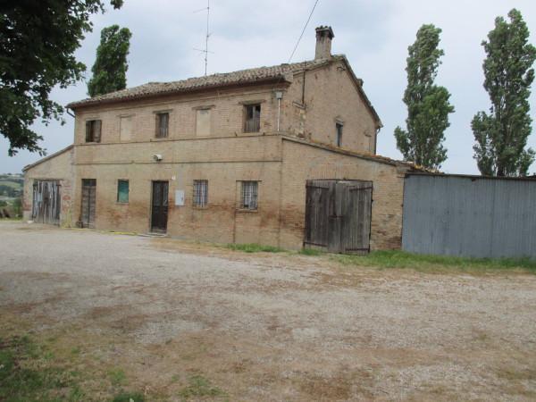 Rustico / Casale in vendita a Pesaro, 6 locali, prezzo € 300.000 | Cambio Casa.it