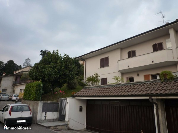 Villa in vendita a Casnate con Bernate, 6 locali, prezzo € 340.000 | Cambio Casa.it