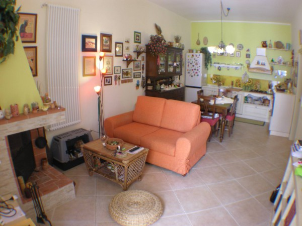 Appartamento in vendita a Bitritto, 3 locali, prezzo € 130.000   Cambio Casa.it