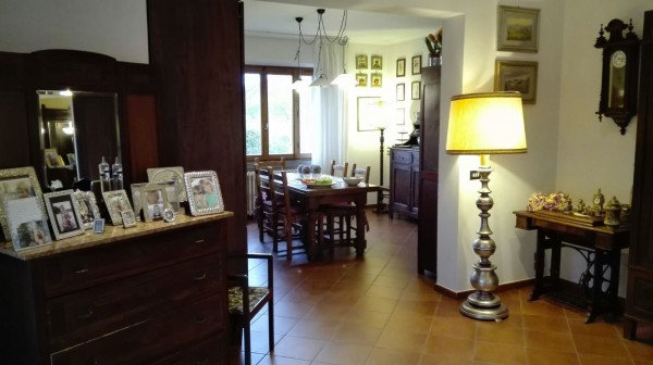 Villa in vendita a Quarrata, 6 locali, prezzo € 750.000   Cambio Casa.it