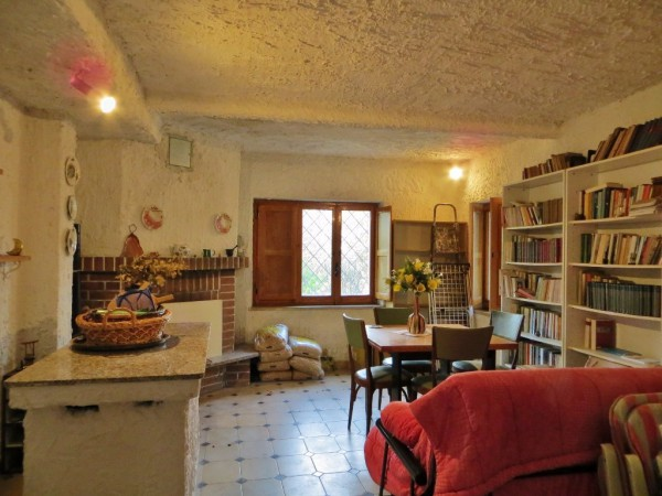Villa in vendita a Bibiana, 6 locali, prezzo € 78.000 | Cambio Casa.it
