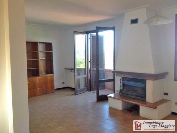 Appartamento in vendita a Taino, 2 locali, prezzo € 88.000 | Cambio Casa.it