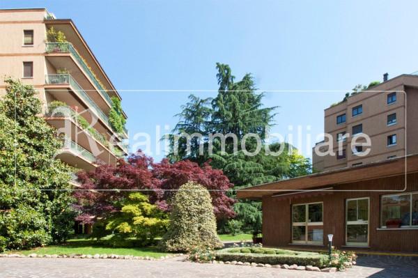 Appartamento in vendita a Vedano al Lambro, 5 locali, prezzo € 585.000 | Cambio Casa.it