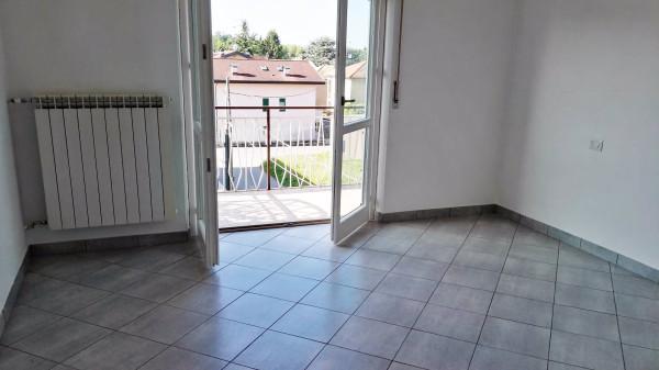 Appartamento in vendita a Cardano al Campo, 3 locali, prezzo € 78.000 | Cambio Casa.it