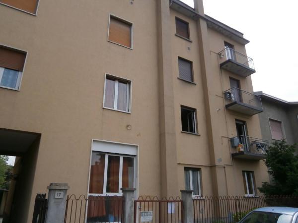 Bilocale Arcore Via Monviso 1
