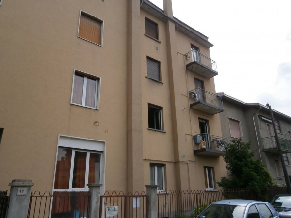 Bilocale Arcore Via Monviso 2