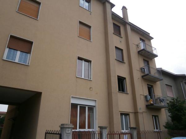Bilocale Arcore Via Monviso 3