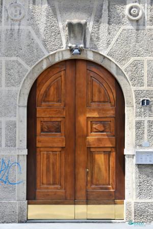 Bilocale Milano Via Cesare Tallone 4