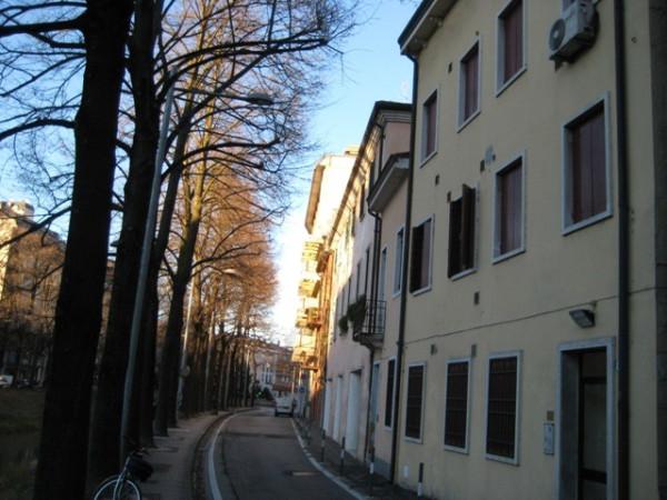 Bilocale Padova Riviera A. Mussato 11