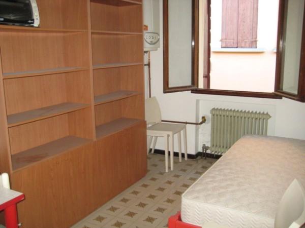 Bilocale Padova Riviera A. Mussato 3