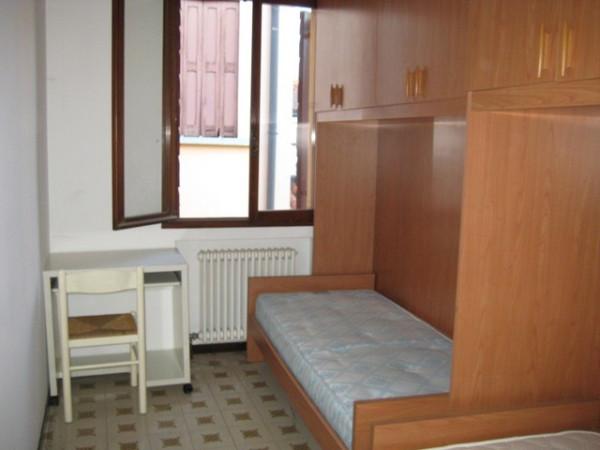 Bilocale Padova Riviera A. Mussato 8