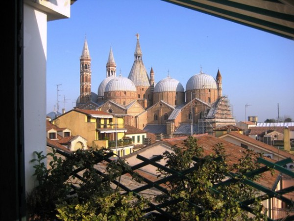 Bilocale Padova Via Del Santo 6