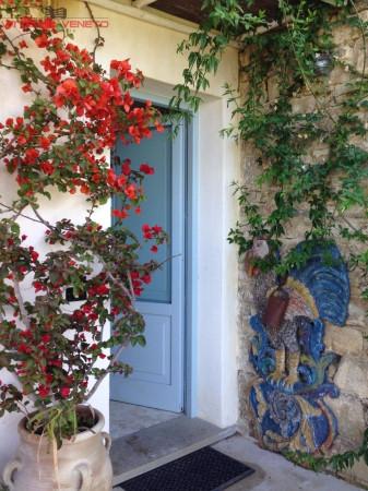 Villa in vendita a Agropoli, 6 locali, prezzo € 380.000 | Cambio Casa.it